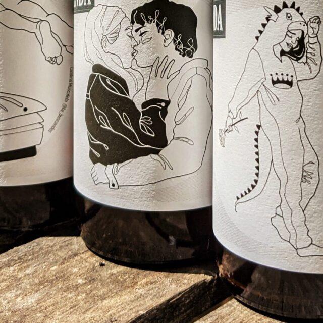 https://www.lestupenda.com/es/wp-content/uploads/sites/9/2021/04/cervesa-artesana-ecologica-lestupenda-sant-jordi-640x640.jpg